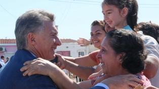 Macri recorrió las obras de un nuevo jardín de infantes junto al gobernador Zamora