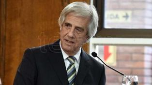 Vázquez echó a su ministro de Defensa y a la cúpula del Ejército
