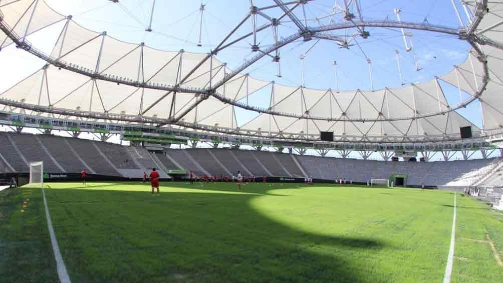 """El """"Único de La Plata"""" con césped nuevo y listo para que Estudiantes sea local (Fotos: Estadio Único/Cristian Estaurino)"""