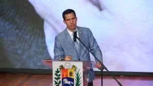 Guaidó le pide al magnate británico Richard Branson un concierto en ayuda al país