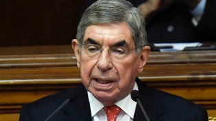 Cientos de mujeres marcharon en respaldo a las denunciantes de Óscar Arias