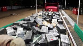Decomisaron nueve toneladas de marihuana y usaron un corsódromo para pesarla