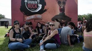 Unas 50 personas internadas por consumir agua presuntamente en mal estado en el Cosquín Rock