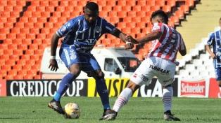 Godoy Cruz inició el ciclo de Gómez con un triunfo ante los tucumanos