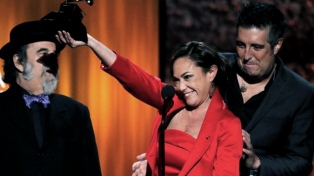 La argentina Brant ganó un Grammy con su disco pop