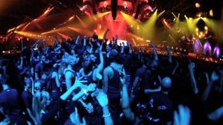 Detuvieron a 42 personas acusadas de vender drogas en una fiesta de música electrónica