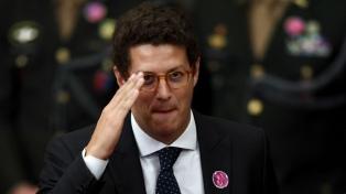 El ministro de Medio Ambiente brasileño, hospitalizado con estrés