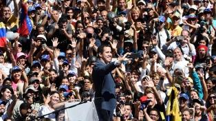 De regreso, Guaidó recaba el apoyo de estatales y llama a un paro