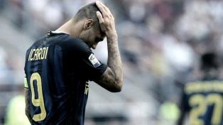 Icardi, en conflicto con Inter, en rehabilitación por una molestia en en su rodilla