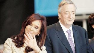 La UIF pidió la reapertura de la causa por presunto enriquecimiento contra los Kirchner