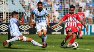 Unión goleó a Atlético de Tucumán