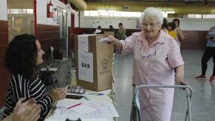 Los pampeanos eligen gobernador y Cambiemos busca darle el triunfo por primera vez a la oposición