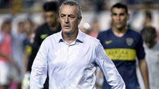 Tras perder en Brasil, Alfaro guarda titulares y solo piensa en la Copa