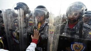 Múltiples protestas por los servicios públicos y la ayuda humanitaria