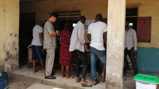 El principal candidato opositor desconoce la victoria electoral de Buhari