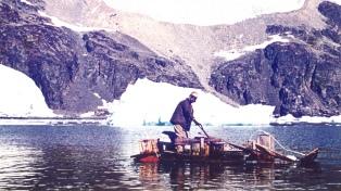 Recordaron la expedición que navegó en balsa por la Antártida