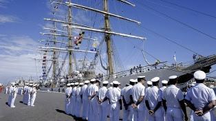 La Fragata Libertad llegó al puerto de Mar del Plata