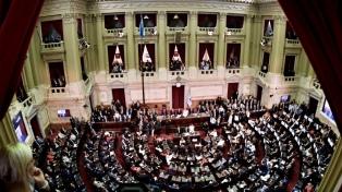 Cambiemos destacó la suba de la AUH y la oposición rechazó el tono electoral de Macri