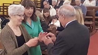 Celebraron 60 años de casados con un vals frente al altar y toda Ushuaia de testigo