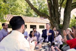Macri recibió a ciudadanos que fueron invitados a presenciar la Asamblea Legislativa