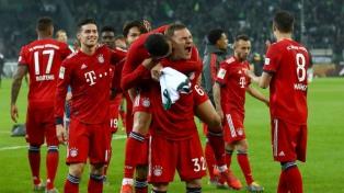 Bayern Munich goleó a Monchengladbach y alcanzó en la punta a Borussia Dortmund