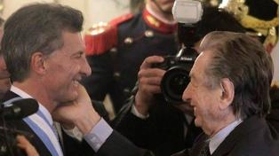 Nuevos mensajes de apoyo a Macri por la muerte de su padre
