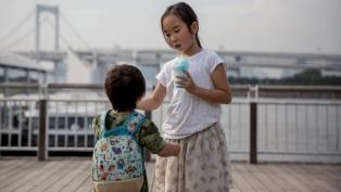 Muerte de dos nenes: el gobierno prohibirá que los padres les peguen