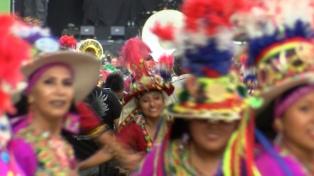 El tradicional Carnaval porteño regresó a la avenida de Mayo y convocó más de 60.000 personas