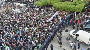 Siguen las protestas contra la reelección de Bouteflika