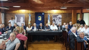 El PJ quiere convertir al congreso partidario en el lanzamiento de un frente opositor nacional