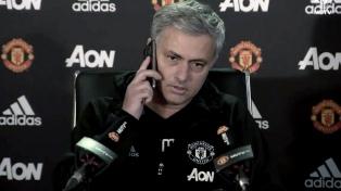 """""""El único equipo que me llamó para volver fue Chelsea"""", aclaró el DT portugués Mourinho"""