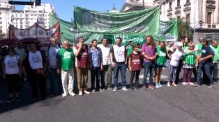 Estatales bonaerenses paran en reclamo de la reapertura de paritarias