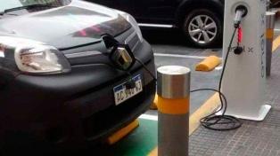 La empresa Enel planifica multiplicar los puntos de carga de autos eléctricos