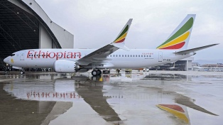Aviones 737 MAX-8 siniestrados no tenían el sistema seguridad de Boeing