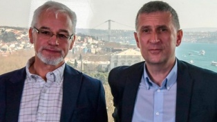 Dos periodistas deben dejar Turquía por no recibir la acreditación