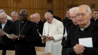 El Papa inicia un nuevo año con la crisis de abusos en el centro