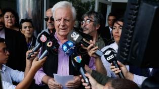 El hermano de Sergio Denis está preocupado por la salud del cantante y no denunciará al teatro