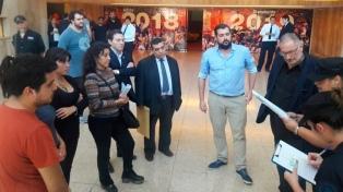 La Policía Federal allana el teatro donde se accidentó Sergio Denis