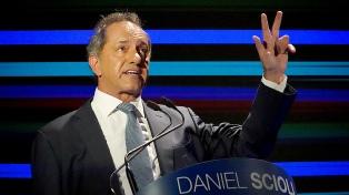 """Scioli: """"Siento la obligación y la responsabilidad de presentarme como candidato"""""""