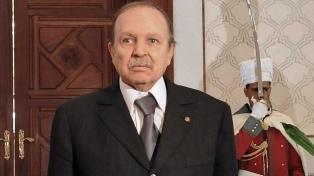 Bouteflika presentará su renuncia a la presidencia antes del 28 de abril