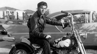 """Murió a los 81 años Dick Dale, ícono de la música surf """"rescatado"""" por Tarantino"""