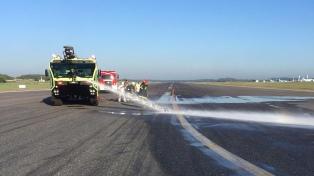 Reabren el aeropuerto Ezeiza,  inoperable por un derrame en las pistas
