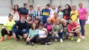 Diputadas y presas jugaron al fútbol en una cárcel bonaerense