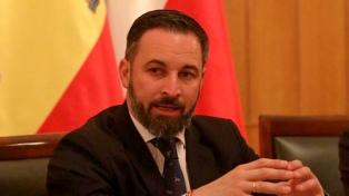 """El líder de Vox propone un muro para """"encerrar"""" ceuta y Melilla"""
