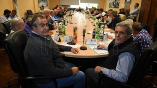 """La mesa chica ampliada de la CGT debatió nuevamente en UPCN """"la unidad sindical"""""""