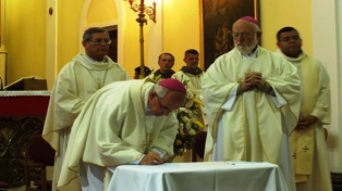 """""""Tenemos que reconocer que no hicimos las cosas bien"""", aseguró el obispo Aós"""