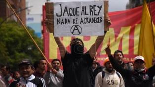 Protesta por la presencia de los Reyes y el respaldo a una iniciativa del presidente mexicano