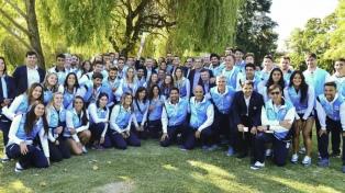 Macri recibió a la delegación argentina que ganó los Juegos Suramericanos de Playa