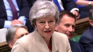 """May pide a Diputados resolver el bloqueo al Brexit """"lo antes posible"""""""