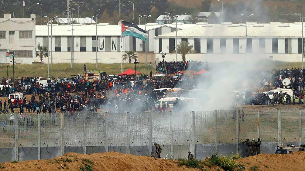 Muere un palestino y otros dos resultan heridos en bombardeos israelíes